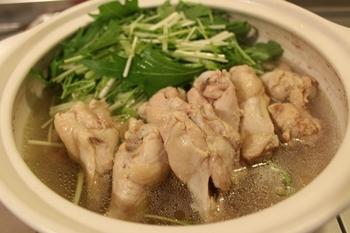 スチャル(鶏鍋)