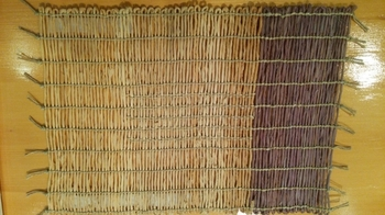 シナノキの繊維で編んだアンギン編みマット