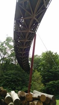 木製のつり橋